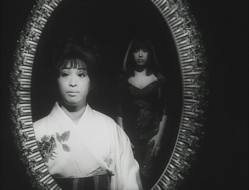 Funeral Parade of Roses 010