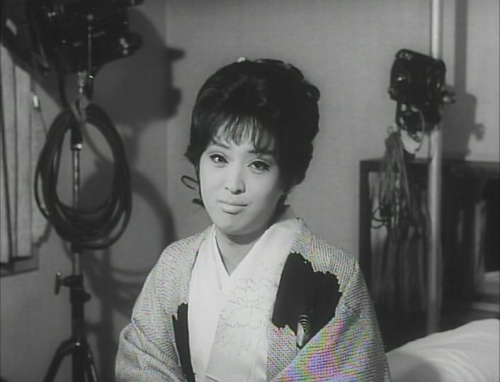 Funeral Parade of Roses 020