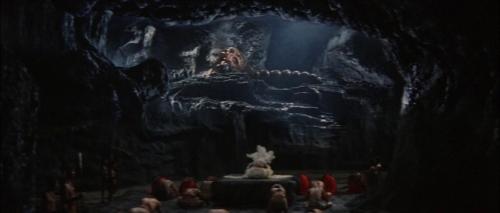 Ghidorah the Three Headed Monster 017