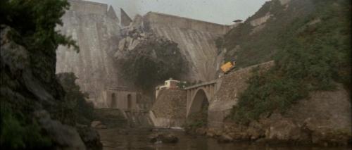 Godzilla Vs Megalon 035