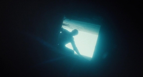 Submergence 049