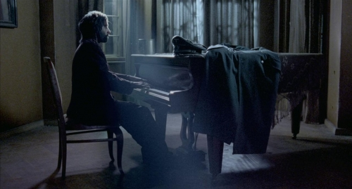 The Pianist 056