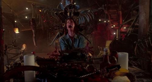 The Texas Chainsaw Massacre 2 053