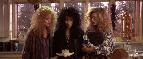 Witches of Eastwick 055